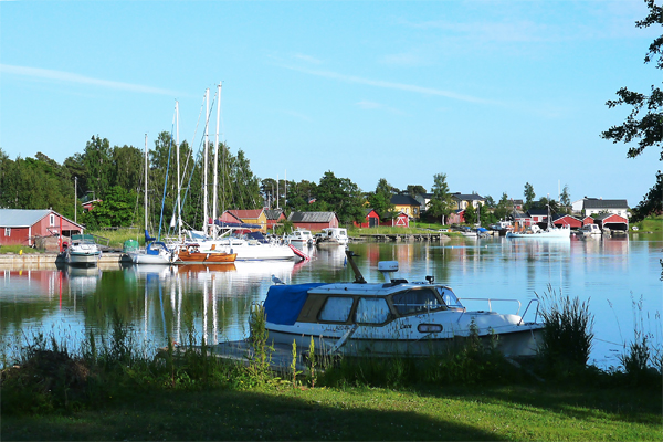 Haapasaari lagoon by Harri Hansen