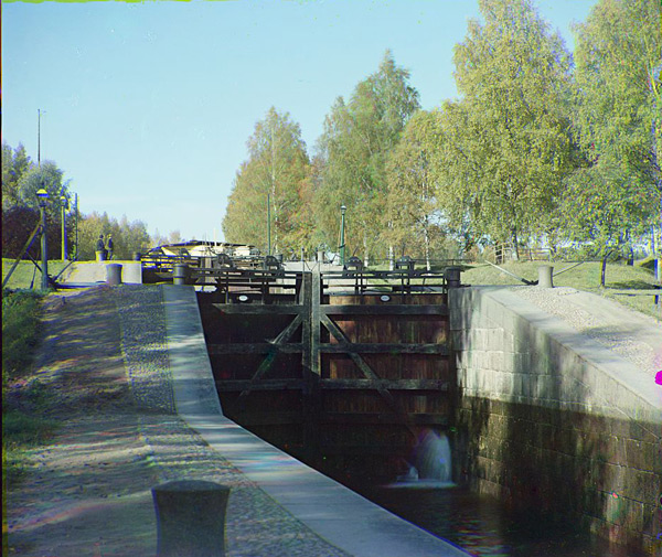 View of the Mälkiä locks from the Saimaa Canal by Sergei Prokudin-Gorski (1903)