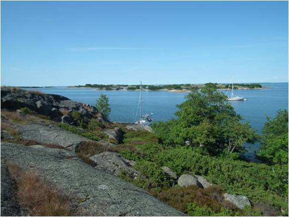 A pleasant spot for a barbeque ashore, but the jagged rocks and spiky bushes make this a difficult island to wander on