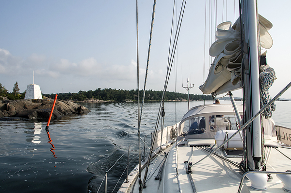 Jubilare, a Rustler 42, safely navigating even the most narrow spots along the route.