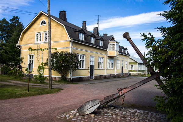 The center of Reposaari is a lovely neighborhood with mostly old wooden houses.