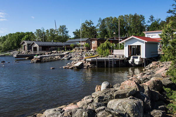 Modern holiday houses can now be found were once the industrial center of Reposaari was located.