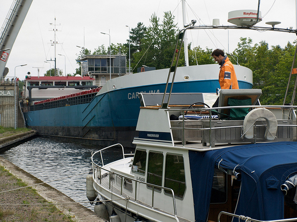 There is a lot of commercial traffic on the Saimaa canal that pleasure boaters need to give way to. Image: Juha Mäkeläinen, CC license.