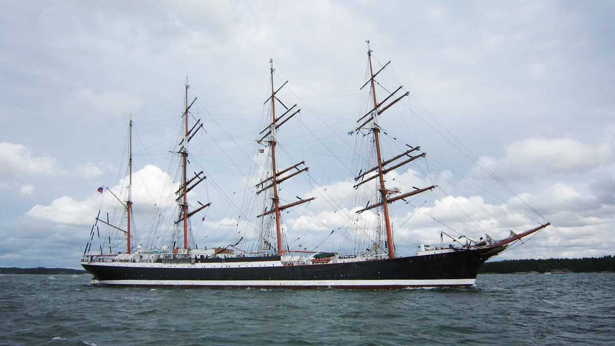 parade of sails onboard s y henrika tall ships race turku sail