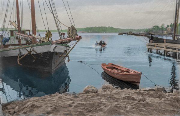 Vellamo by the Taivallahti shore